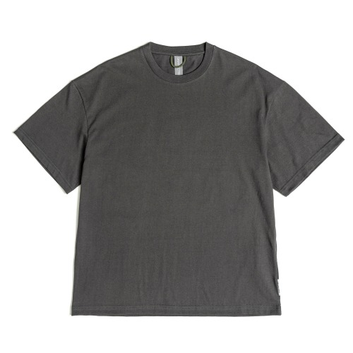 [UNAFFECTED] Logo Patch T-Shirt (Charcoal)